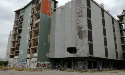 Ex palazzo del mobile Lega Nord ancora in piazza