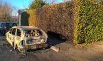 Auto bruciata nella notte, è incendio doloso?