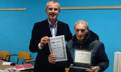 Premiazione arbitri: riconoscimento ad un caratese