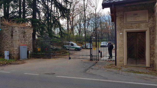 Morto il giardiniere caduto da un albero nella villa di Berlusconi