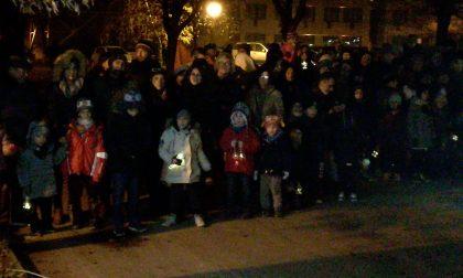 L'attesa del Natale all'asilo con le lanterne dei bambini