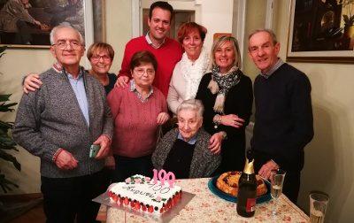Auguri speciali a nonna Paola, per lei 100 candeline