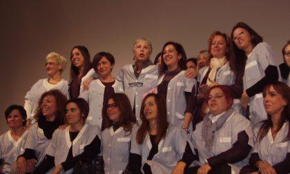 Ottavia Piccolo al teatro Villoresi con le lavoratrici Canali