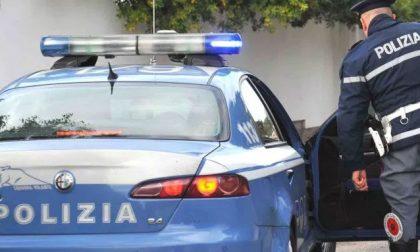 Tentato furto da Zara: calci e spintoni per scappare ma lo arrestano