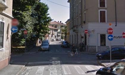 Segnaletica illeggibile in via Ardigò il Codacons scrive al sindaco