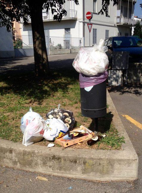 Sacchi della spazzatura nei cestini pubblici multati 15 limbiatesi