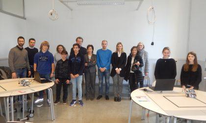 Atelier digitale inaugurato alla scuola Traversi