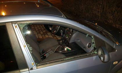 Lite al volante, due ex pugili prendono a pugni mamma e figlio