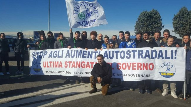 casello Agrate, manifestazione Lega