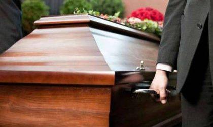 Benefattore anonimo paga il funerale