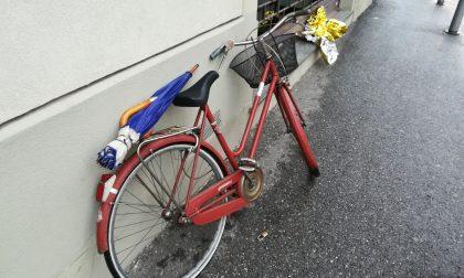 Vola dalla bici, paura per un pensionato