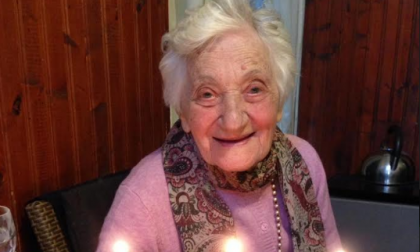 Compie 105 anni: a farle gli auguri arriva il sindaco