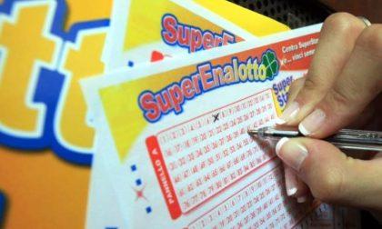 Vince 100mila euro al SuperEnalotto ma deve ancora ritirare il premio