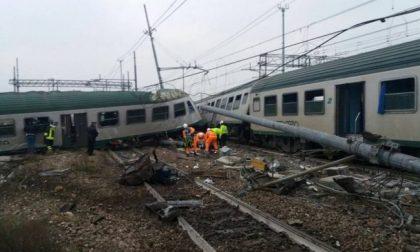 Treno deragliato, indagati i vertici di Trenord e Rfi