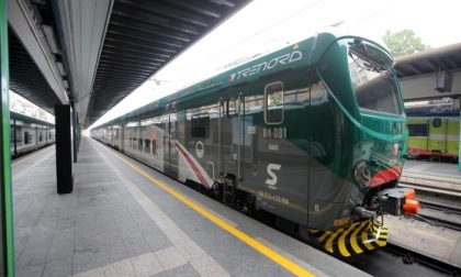 Aggressione sul treno controllore e un agente malmenati da 10 ragazzi
