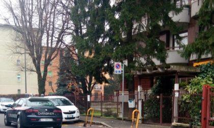 Carabiniere torna dal lavoro… e becca ladra in casa