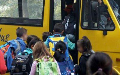Controlli straordinari sul trasporto scolastico: due mezzi fermati perché poco sicuri