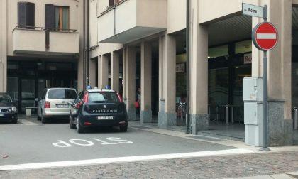 Aggressione in piazza Roma, barista finisce all'ospedale