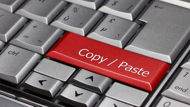 Copiano tesi di docente Unimore per fare fatture false
