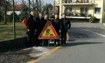 Ospiti speciali tengono a battesimo i lavori per il nuovo marciapiede a Renate