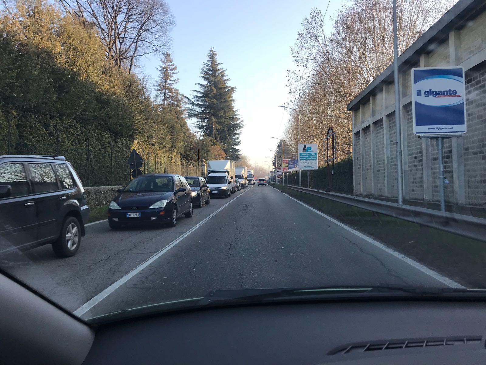Tangenziale est all'altezza di Vimercate bloccata per incidente