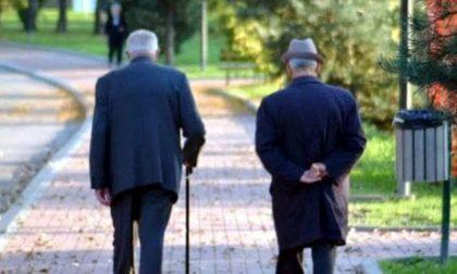 """""""Anziani, restate a casa"""""""