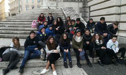 I ragazzi della scuola media in gita a Roma per visitare il Parlamento