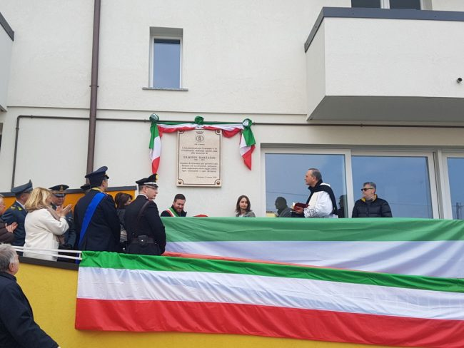 Targa all'ex sindaco Barzaghi
