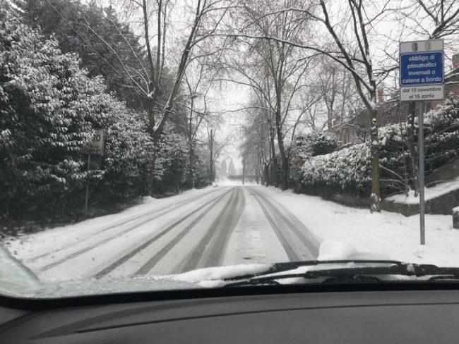 Dopo la neve il Comune avverte: attenti al rischio gelicidio