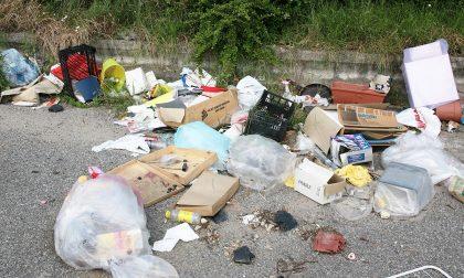 Abbandono di rifiuti, in un anno 800 multe