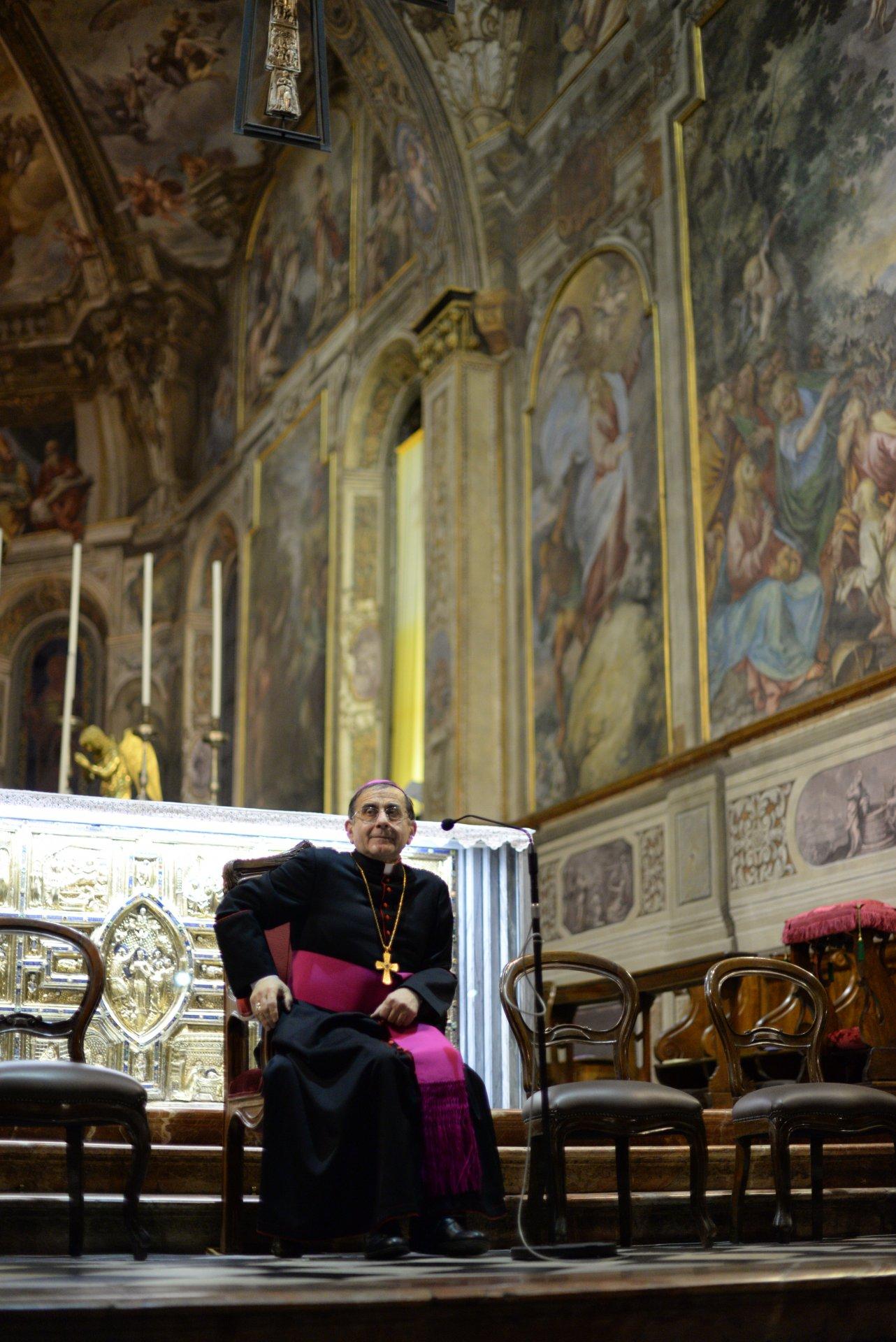 L'arcivescovo Mario Delpini ha pregato insieme agli artigiani monzesi
