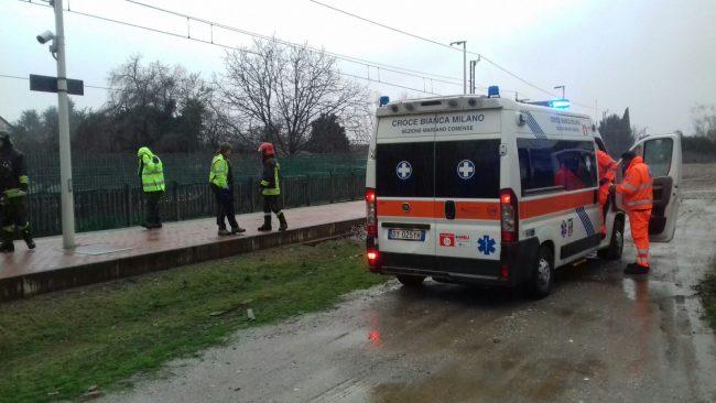 Incidente mortale in stazione, ragazzo travolto dal treno