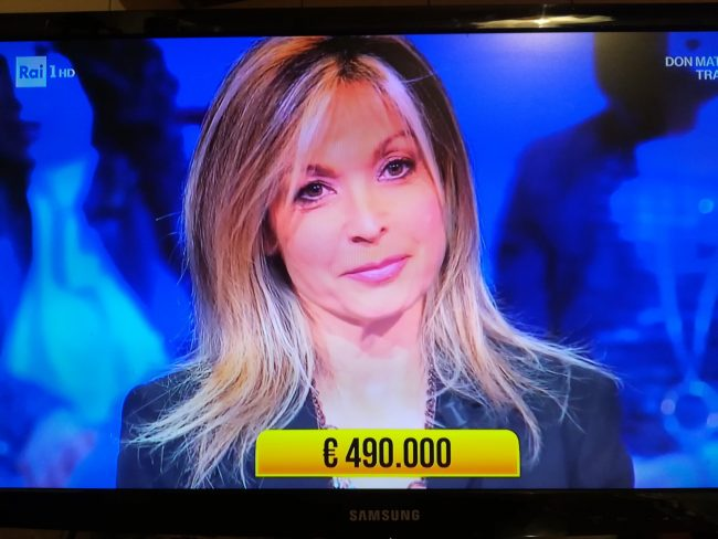 Soliti Ignoti, vincita record di 490mila euro a Loredana, medico di Bellusco