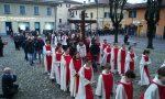 Un migliaio di fedeli alla processione del Sabato Santo FOTO E VIDEO