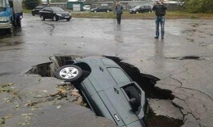 La fake news sulla voragine a Seregno fa il giro del web