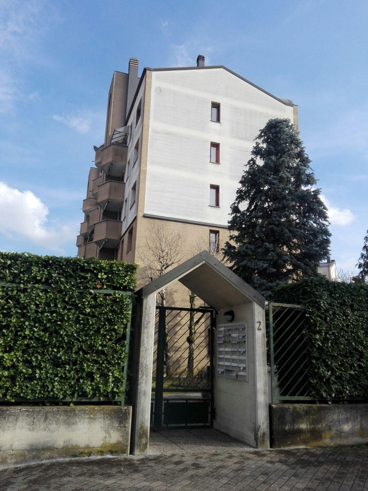 Contratti porta a porta, un residente infastidito chiama i Carabinieri