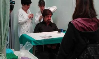 Valerio Staffelli smentisce l'uso di droghe e fa il test del capello a Desio