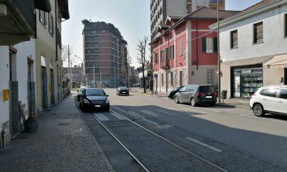 Stop alla sosta selvaggia sui binari del vecchio tram