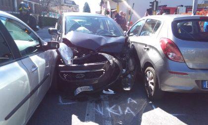 Incidente stradale in via Buonarroti a Lissone FOTO VIDEO