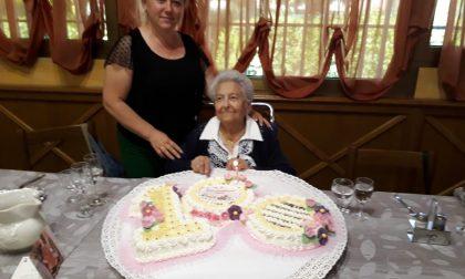 Festa di  compleanno per una super nonna centenaria