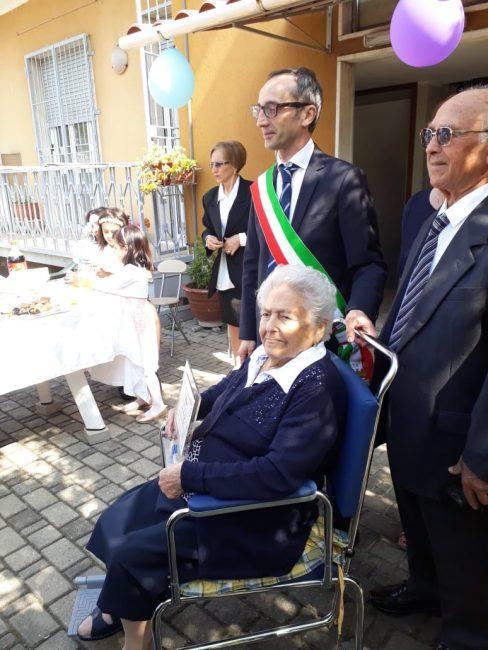 festa di compleanno per la centenaria