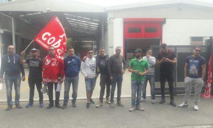 Ancora operai in protesta davanti all'azienda Toncar di Muggiò