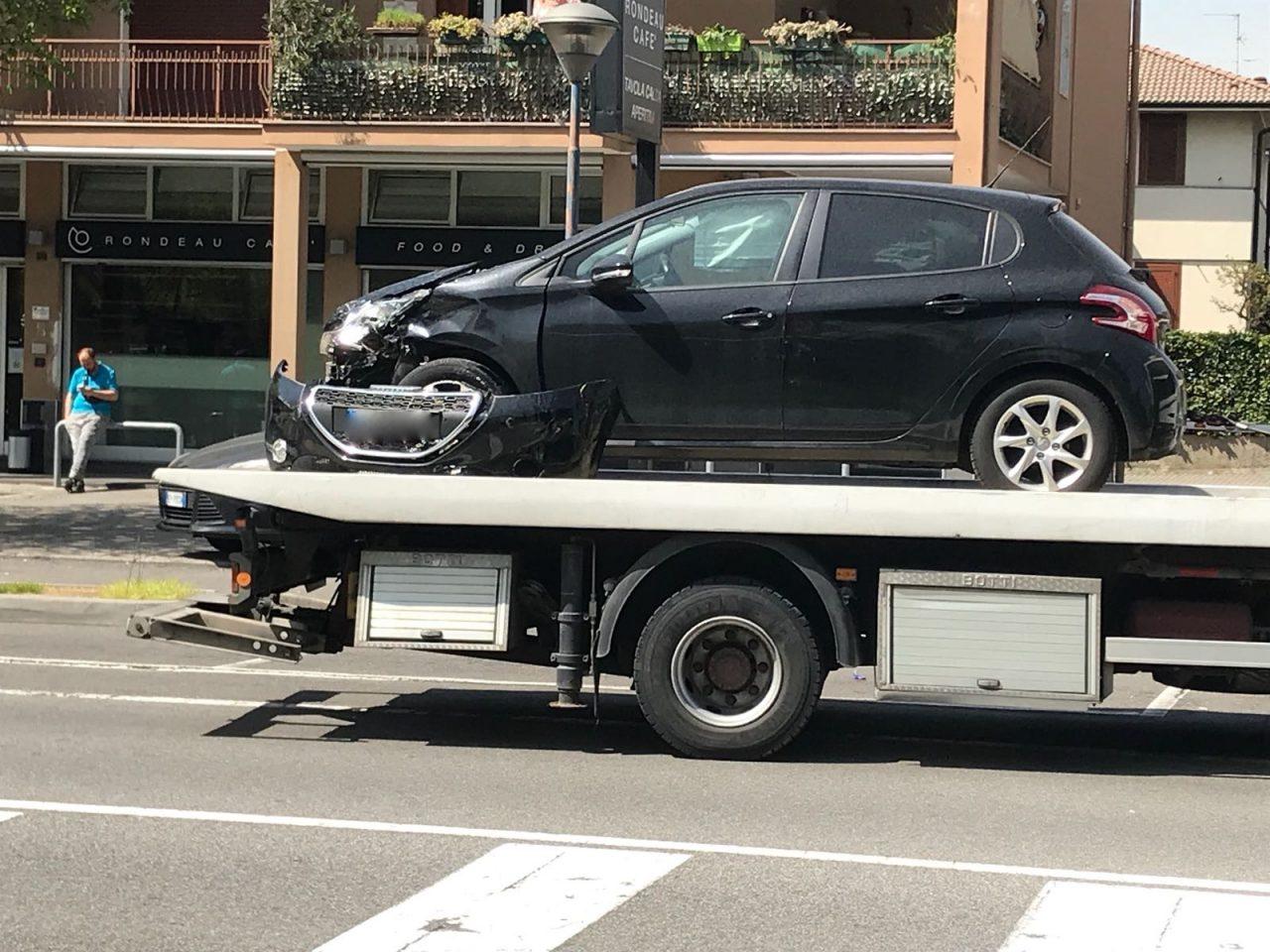 scontro auto moto