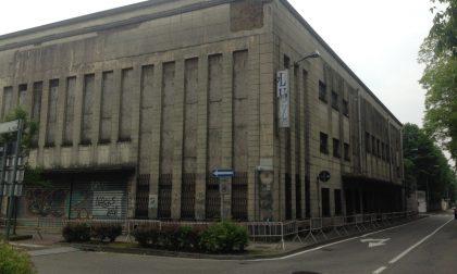 Strade chiuse a Villasanta per l'abbattimento del cinema Lux