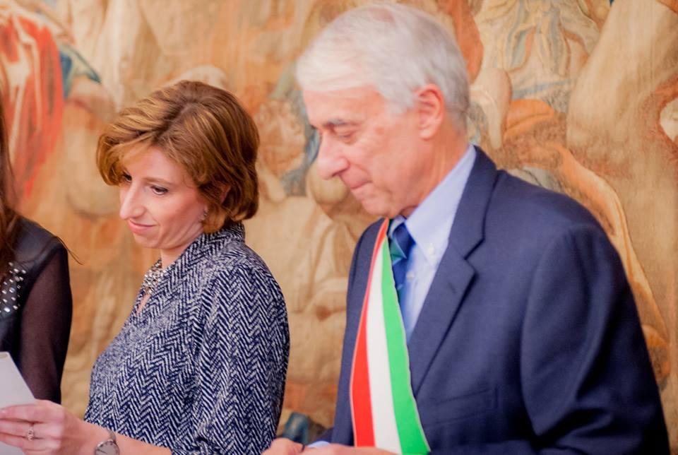 Donna si getta da Palazzo Lombardia: è una 41enne di Monza