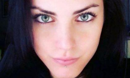 Auto finisce contro il muro, muore una 22enne: monzese al volante