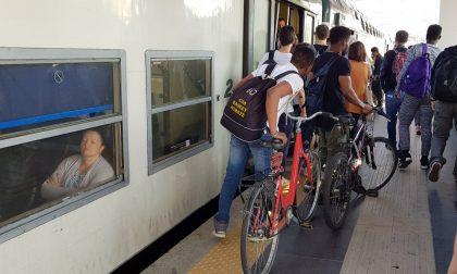 Trenord chiude le biglietterie in tre stazioni brianzole