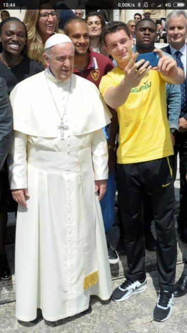 Filippo Tortu: selfie con il Papa
