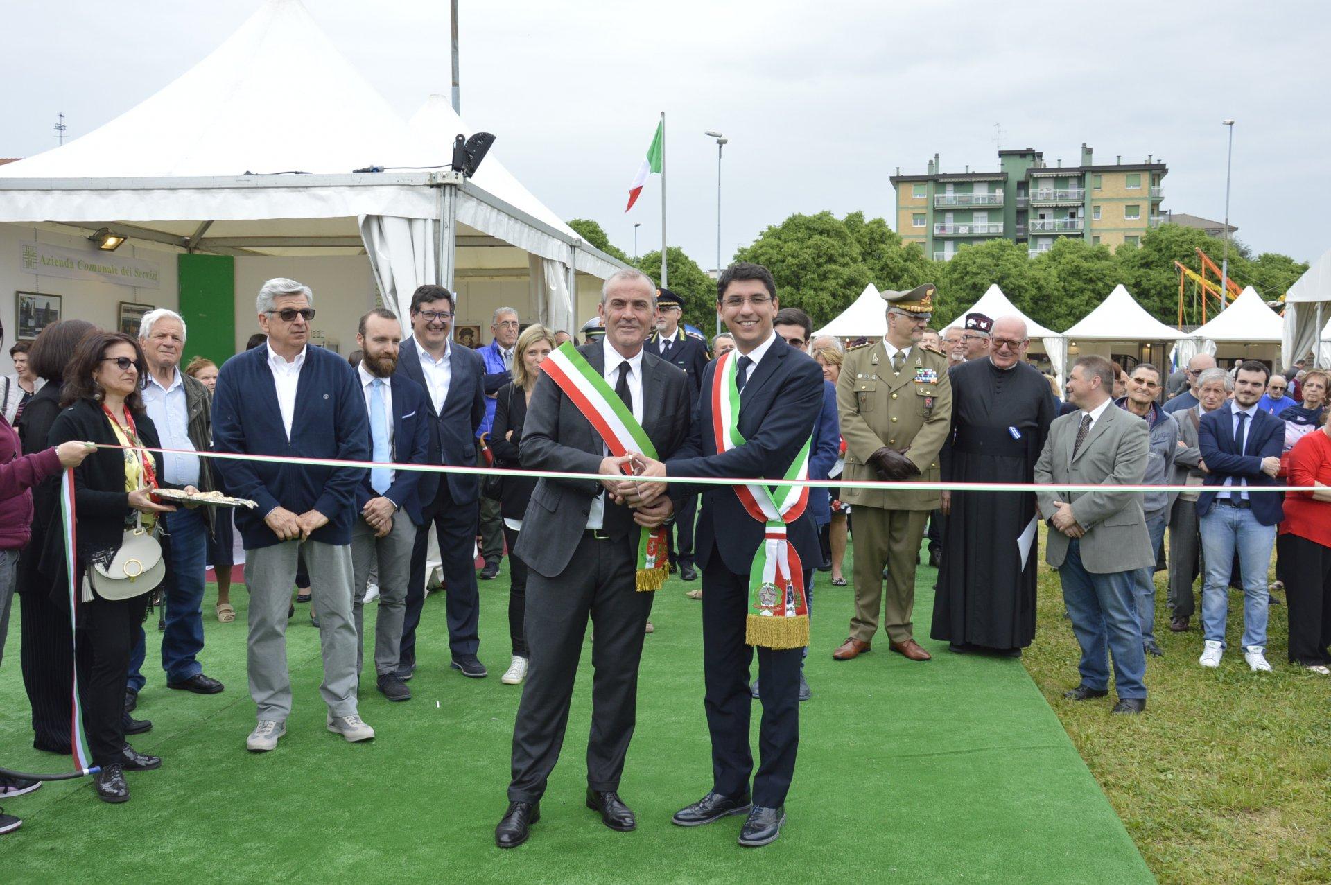 Vincenzo Rinaldi Nova Milanese si alza il sipario della quindicesima edizione di nova fiera