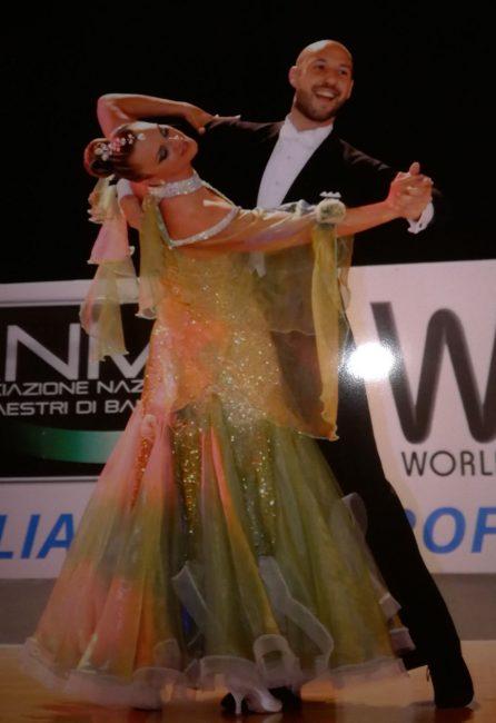 Operaia di professione, ballerina per passione, Mina Tino